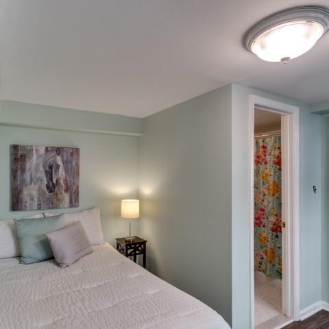 light bedroom - historic charm in NW DC - Ballard & Mensua Architecture