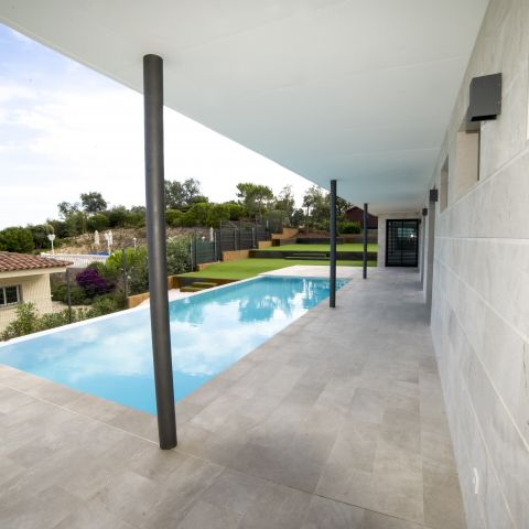 swimming pool and back porch - Costa Brava Overlook - Ballard & Mensua Architecture