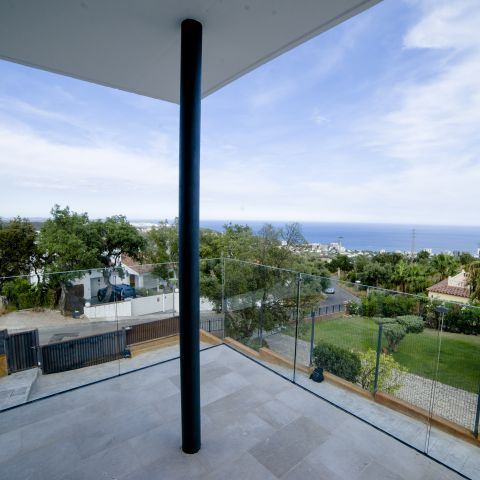 front and side porch outlook - Costa Brava Overlook - Ballard & Mensua Architecture