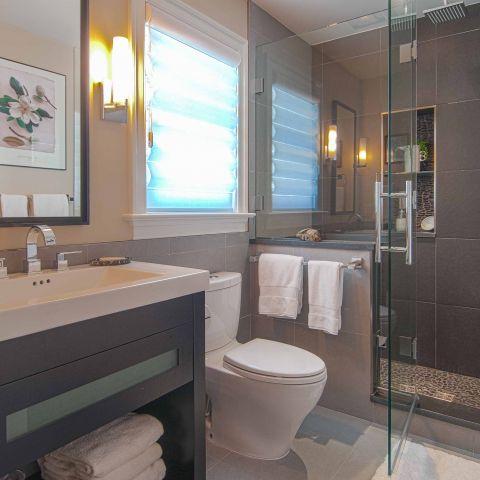 Bennington project - Little City rambler - guest bathroom detail