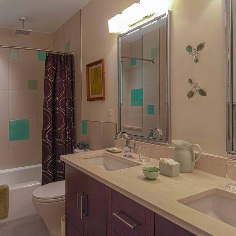 Bennington project - Little City rambler - kids bathroom detail