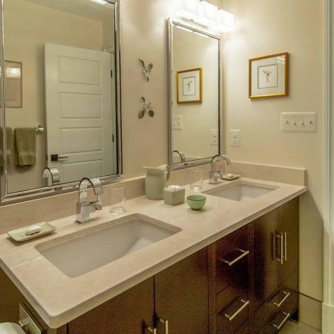 Bennington project - Little City rambler - kids bathroom vanities