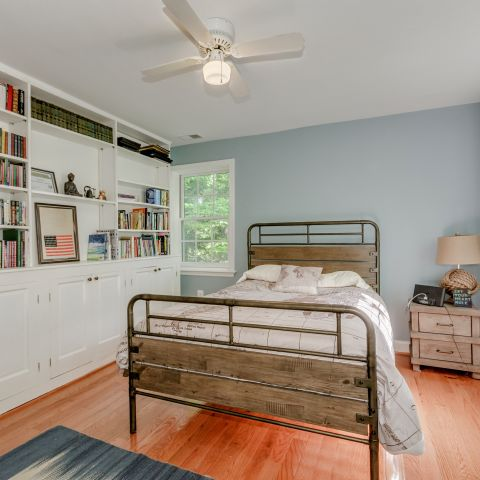 Bedroom with built-ins  - The Shire of Spring Valley - Ballard & Mensua