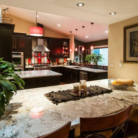 kitchen bar towards range - Vienna split level renovation - Boswell project