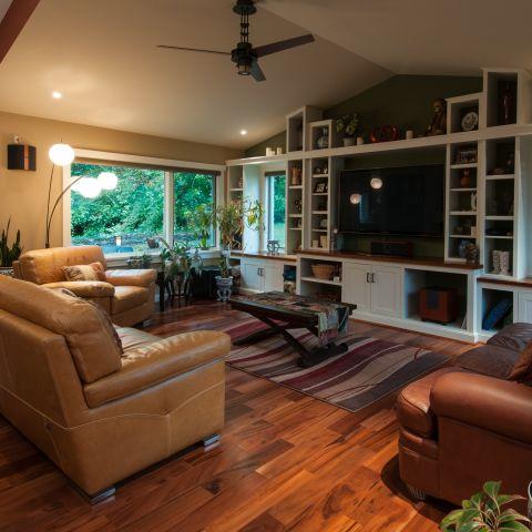 living room towards backyard - Vienna split level renovation - Boswell project