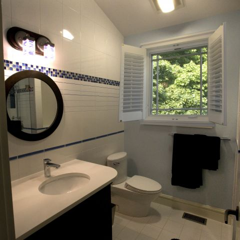 Carr project - nautical New England waterfront home - another guest bathroom