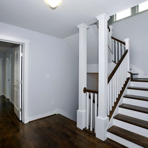 hallway to the second floor - Clarendon bungalow - Cima project
