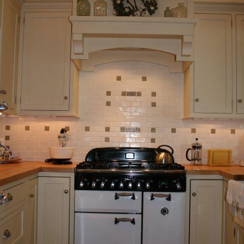 Enrico-Easton - waterfront cottage renovation - kitchen range and hood
