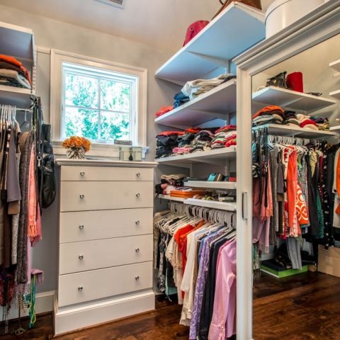 her master closet - McLean waterfront - Graham project