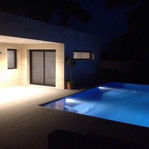illuminated pool - Ballard & Mensua