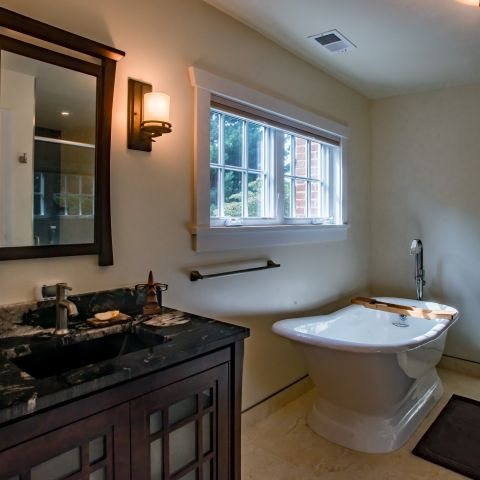 master bath and tub - Two story renovation - Loucks project
