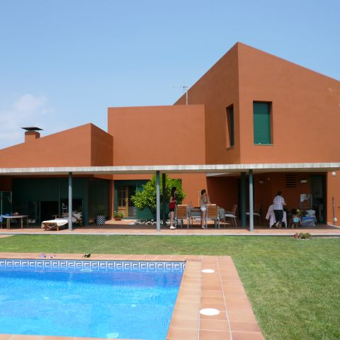 backyard pool view - the red house - Ballard & Mensua Architecture